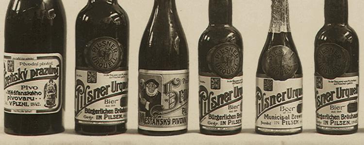 Coleção de garrafas de uma antiga cerveja pilsen