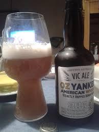 cerveja weiss sobre a mesa