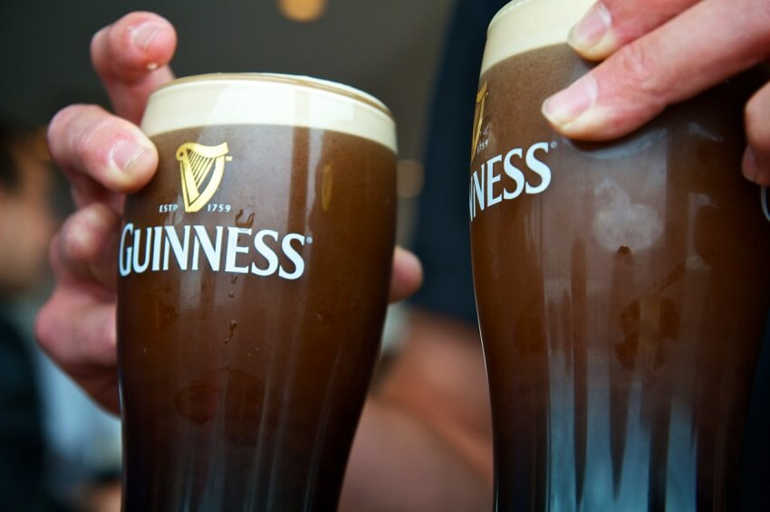 Um brinde a cerveja preta